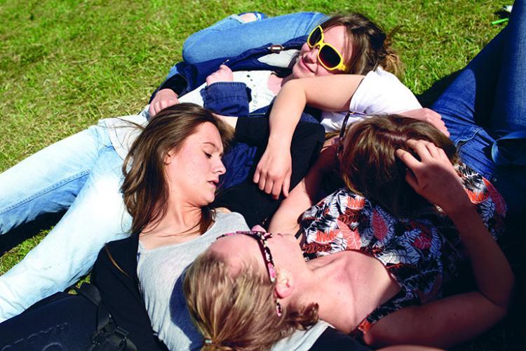 Elever i græsset