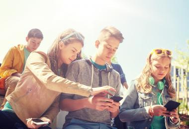 Børn med skærme